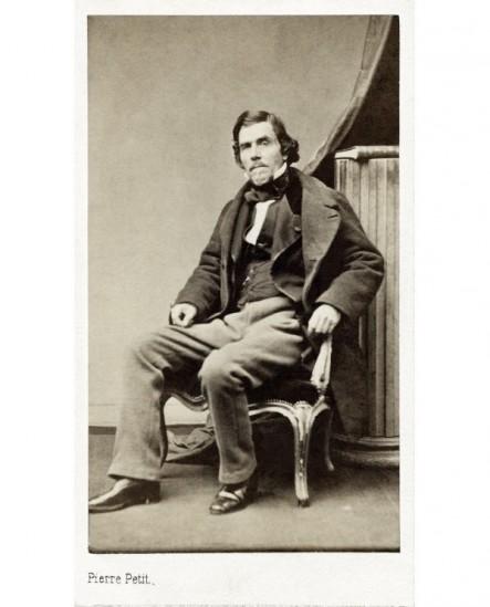 Portrait du peintre Eugène Delacroix assis