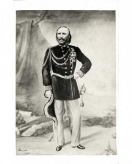 Garibaldi en uniforme de général, bicorne à la main
