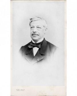 Portrait d'homme moustachu, légion d'honneur. Louis Lenoble