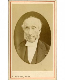 Portrait d'un homme à favoris âgé