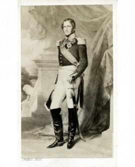 Souverain en grand uniforme debout (Léopold Ier, roi des Belges)