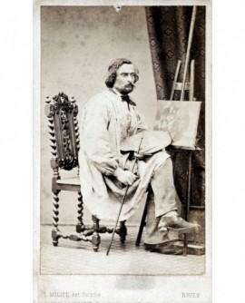 Autoportrait du photographe Milice, également peintre de fleurs