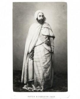 Homme barbu en burnous debout (Abd-el-Kader)