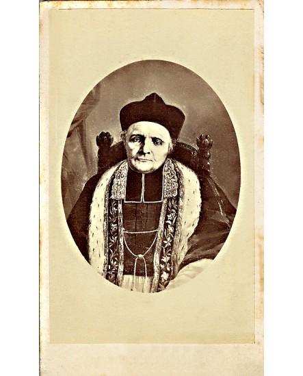 portrait (gravé) d'ecclésiastique en bonnet et camail