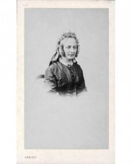 Portrait d'une femme en toquet à fleurs (Mme Marçais-Albaret)