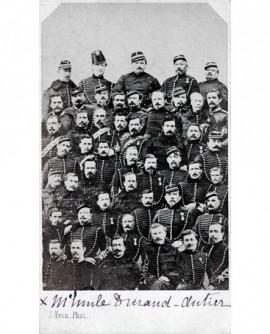 Mosaïque de militaires
