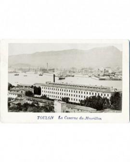 Port de Toulon avec premier plan caserne du Mourillon