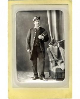 Agent du Trésor en uniforme avec bicorne