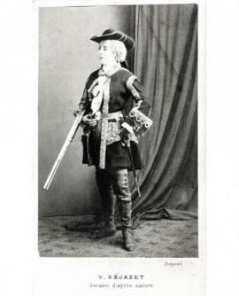 Pauline Virginie Dejazet, actrice, en tenue de chasseur