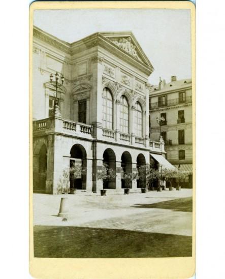 Vue du théâtre de Chambéry.
