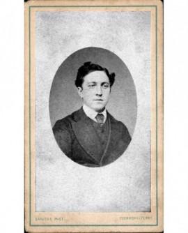 Portrait en médaillon d'un homme