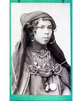 Portrait d'une femme tunisienne
