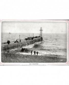Vue de la jetée du Havre, au moment de la marée montante (avec promeneurs)