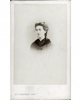 Portrait d'une femme. Jeanne Ducastel
