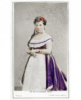 Femme debout en décolleté (L.Leblanc)