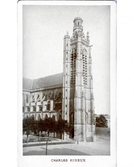 Vue extérieure de l'église Saint Jacques à Compiégne