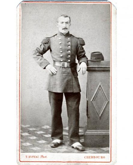 Militaire du 47è debout, tête nue ( Louis Abel)