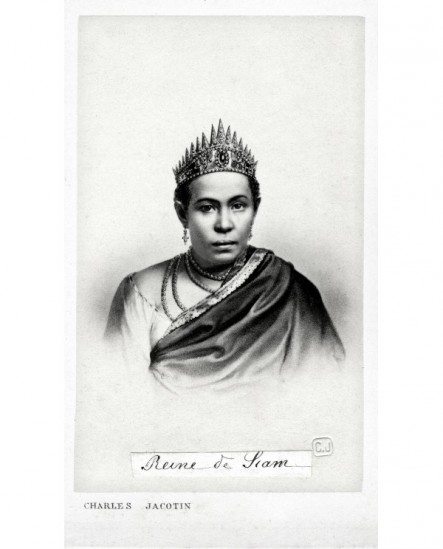 Portrait d'une femme couronnée: la. reine de Siam