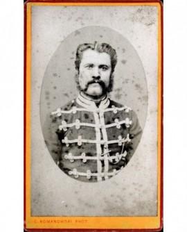 Portrait d'un militaire à favoris (hussard?)