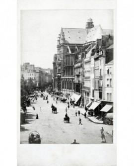 Vue de la rue Rambuteau et de la façade de l'église Saint-Eustache
