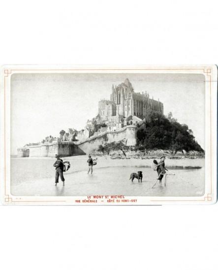 Vue du Mont Saint-Michel, pêcheurs au premier plan (marin)