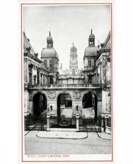 Entrée de l'Hôtel de Ville de Lyon (prise de la place de la Comédie)
