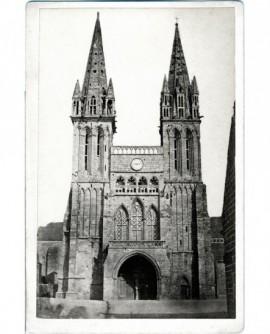 Vue extérieure de la cathédrale de St Pol-de-Léon