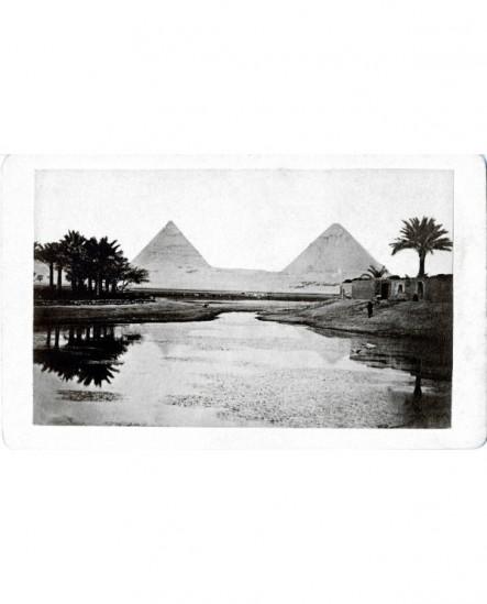Vue des Pyramides de Ghyzéh. Egypte