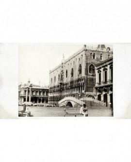 Vue du palais des Doges à Venise (façade sur le Mole)