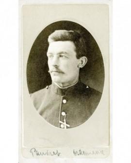 Portrait d\'un militaire moustachu (Pauvret ordonnance)