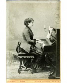 Femme jouant du piano, Jeanne-Louise Dejarny-Brindeau