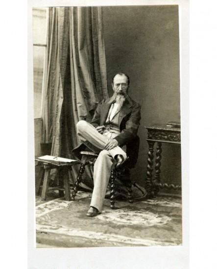 Homme barbu assis (le peintre Horace Vernet)