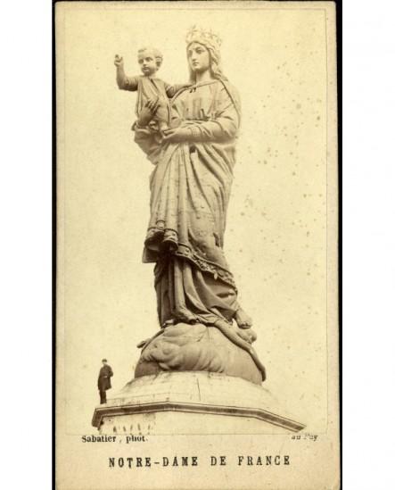 Statue de Notre-Dame de France au Puy