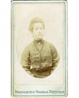 Portrait d'une femme en corsage ( la plus âgée de la précédente)