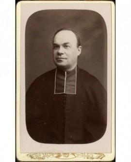 Portrait d'ecclésiastique en rabat au crâne dégarni