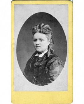 Portrait d'une femme aux anglaises (C. Besseyre)