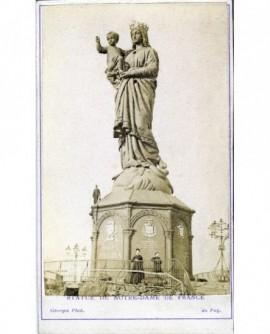 Vue extérieure de la statue de Notre-Dame de France au Puy