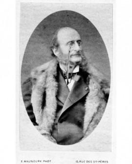 Portrait en médaillon d\' Offenbach (lorgnons) et légion d\'honneur