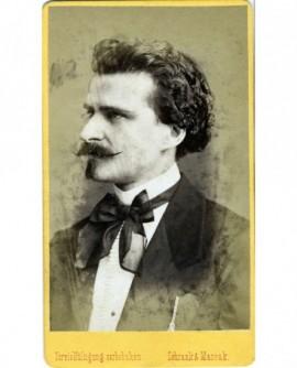 Portrait d'un homme moustachu: Richard Strauss