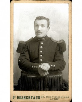 Militaire moustachu du 96è RI