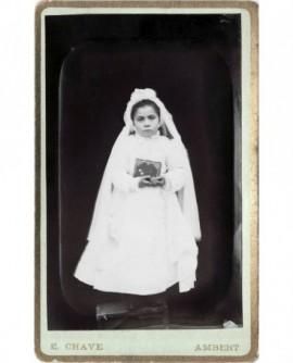 Portrait en médaillon d'une femme aux anglaises