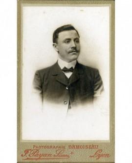 Homme jeune à moustache retroussée. Jacques KLEIN