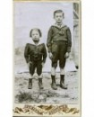 Couple de jeunes hommes