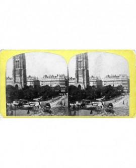Square et tour Saint-Jacques avec cheveaux et caleches. Paris (a)