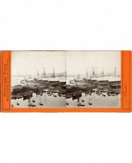 Vue du port de Toulon avec bateaux bagne (a)