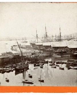 Vue du port de Toulon avec bateaux bagne (b)