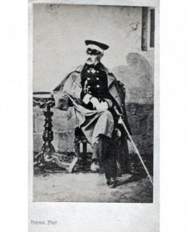 Monarque en grand militaire. Roi de Prusse ???