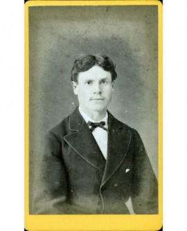 Portrait d'un homme jeune