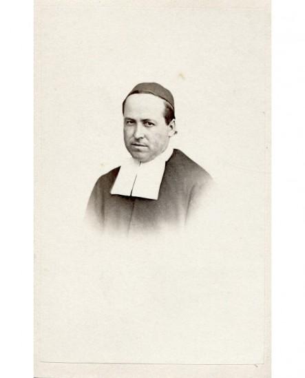 Portrait d\'un prêtre. frère Jean Imbert