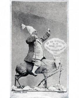 Au roi d\'Yvetot. Carte publicitaire du photographe Pestel Alphonse